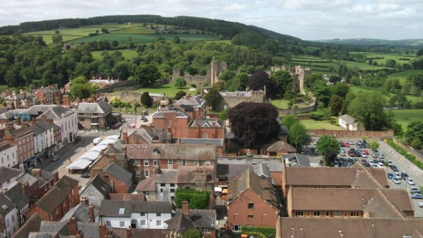 Ludlow_Castle_as_seen_from_the_tower_of_St.Laurence's_Church